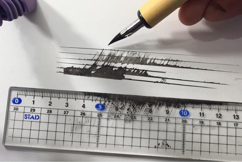 漫画の画材道具 定規 描き方