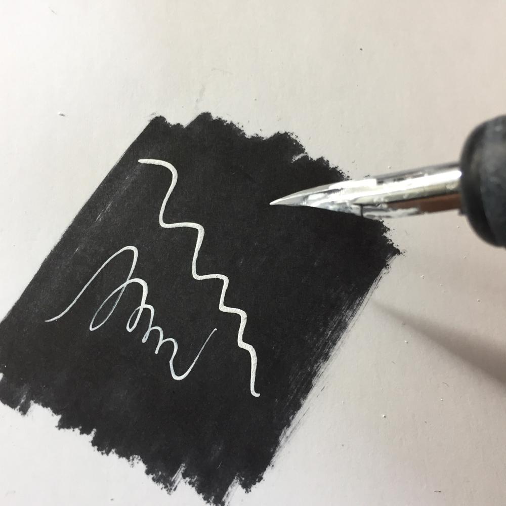 漫画の描き方 修正液の画材道具